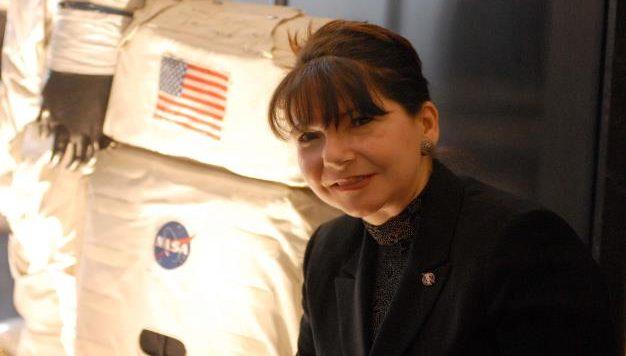 Adriana Ocampo, la científica geoespacial colombiana que trabaja en la NASA. ¡Una mujer de éxito!
