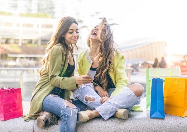 amigas-compras-celular