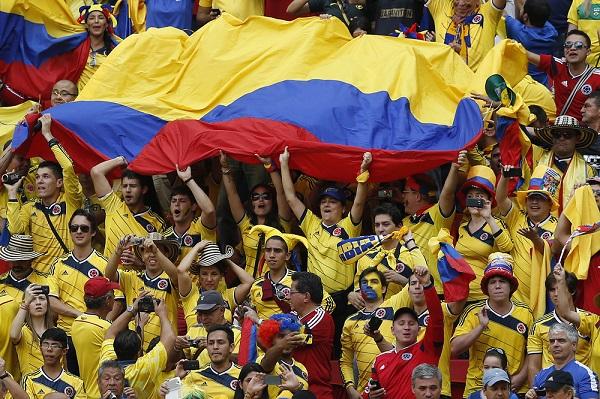 colombianos-estadio