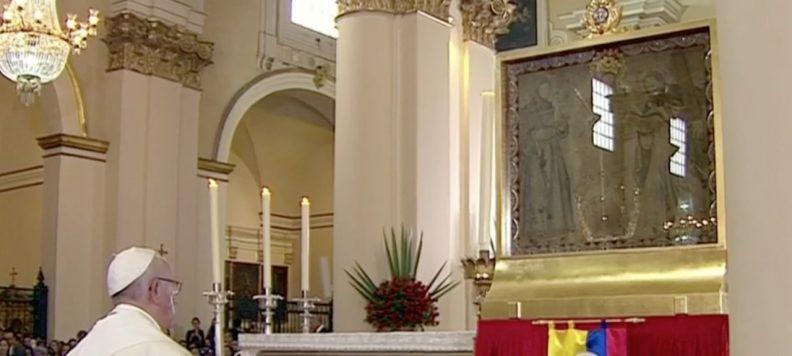 Así fue el encuentro del Papa Francisco con la Virgen de Chiquinquirá