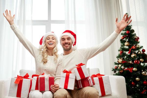 pareja-regalos-navidad