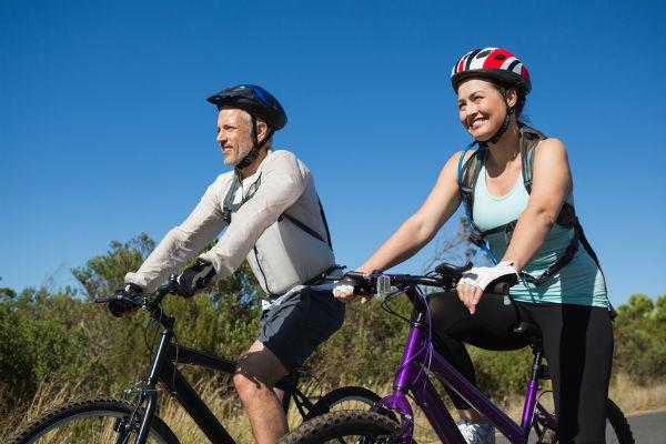 ¿Te gusta montar en bicicleta? 5 artículos que no te pueden faltar